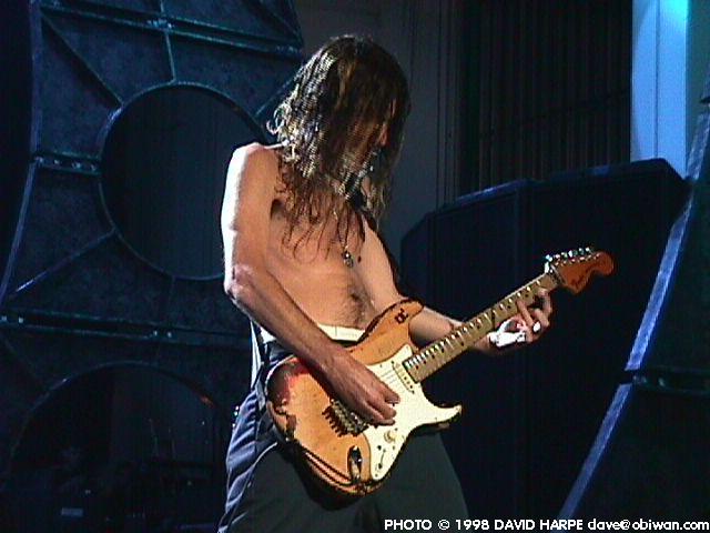 Mejor guitarrista de la Ozzy Band Joe085